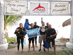 Divers helping us Adopt our dive site!