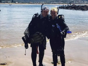 Divers return with rubbish