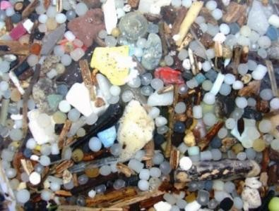 Image of microplastics by NOAA photo