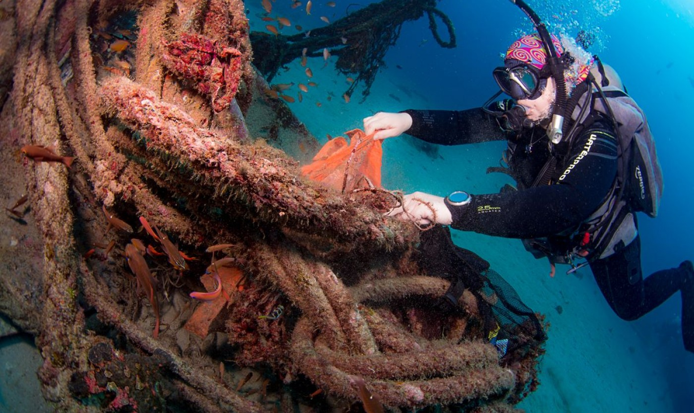 Dive Against Debris Rope Removal